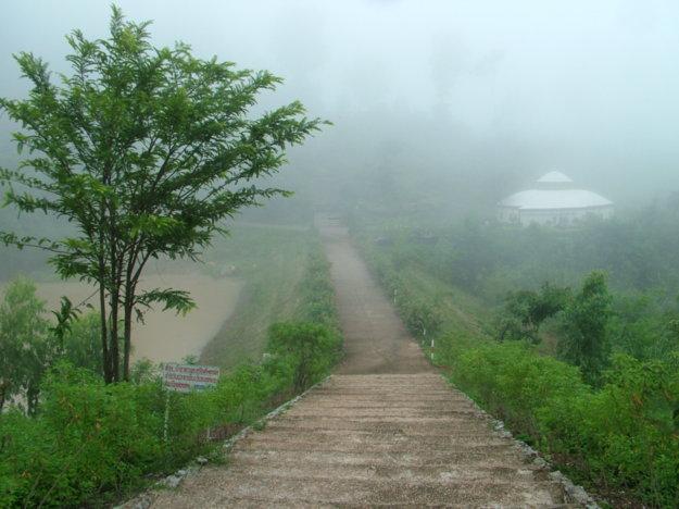 foggy-mountain